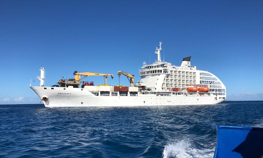 Kreuzfahrt mit einem Fracht- und Passagierschiff